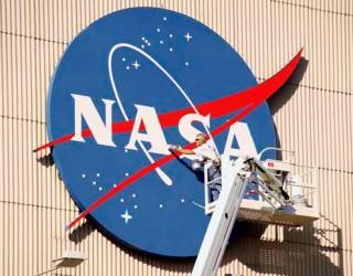 НАСА ВЪЗОБНОВЯВА СОБСТВЕНИТЕ ПИЛОТИРАНИ МИСИИ
