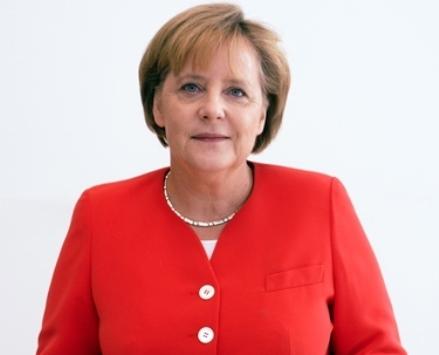 Angela_Merkel_Juli_2010_-_3zu4