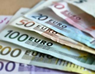 Намалява неравенството на заплащане между жени и мъже