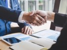 Лидер в застраховането купи конкурент за 1 млрд. EUR